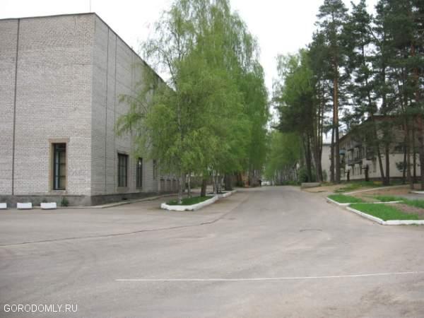 Площадь у ДК поселка