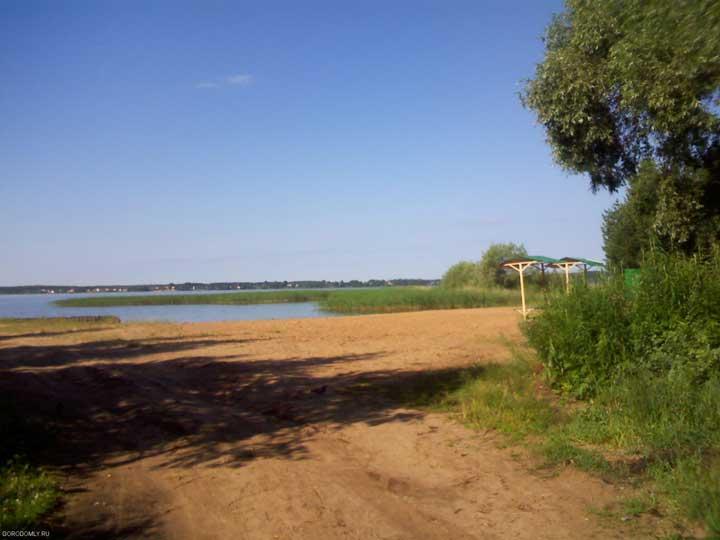 Пляж на Южной на Городомле.