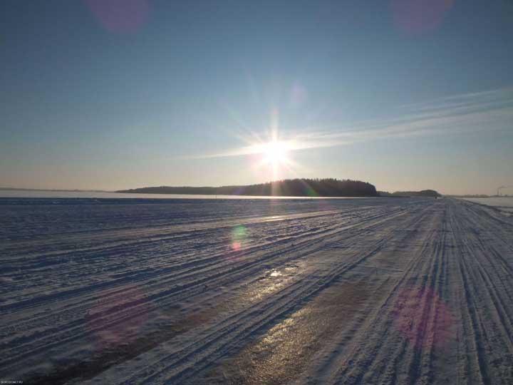 Зимняя дорога с Городомли в Осташков по озеру