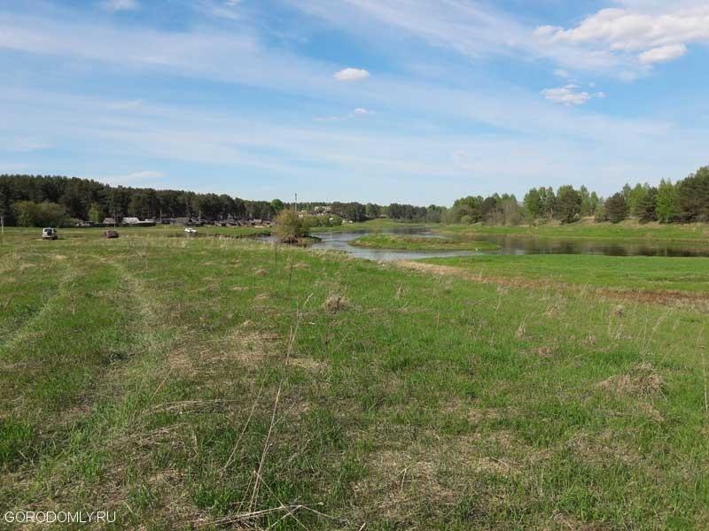Берег Тверцы в районе впадения реки Логовежь