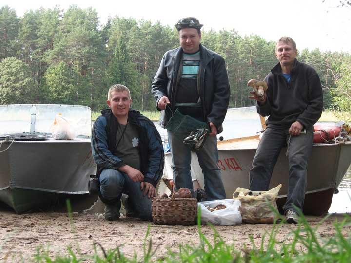 Хорошо проведённый выходной - и с грибами и рыбки поймали.